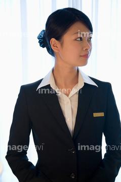 女性従業員