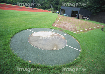 陸上競技場の画像素材 スポーツ用品オブジェクトの写真