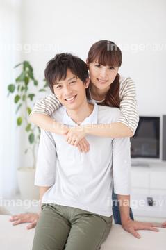 あすなろ抱き 楽しみ の画像素材 家族 人間関係 人物の写真素材ならイメージナビ