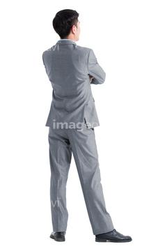 スーツ 男性 腕を組む 背中写真の画像素材 体のパーツ人物の