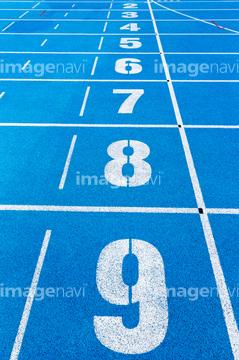 陸上競技場の画像素材 スポーツ用品オブジェクトの写真素材なら