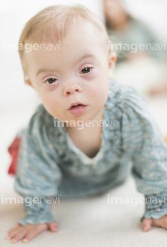 ダウン症 かわいい の画像素材 外国人 人物の写真素材ならイメージナビ