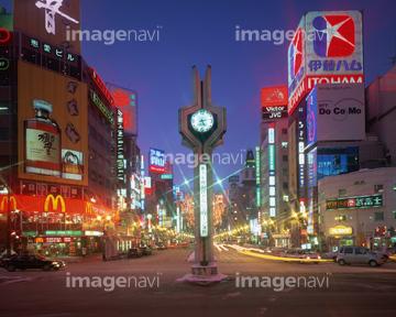 町並建築 リゾート田園 ネオン街商店街の画像素材 写真