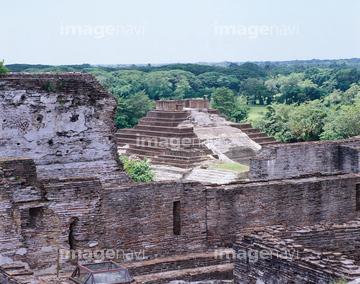 f12b1165fed3a The Acropolis Palace in Comalcalco (Tabasco, Mexico). Mayan Civilization.