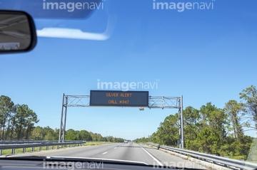 toll+road】の画像素材   道路・乗り物・交通の写真素材なら
