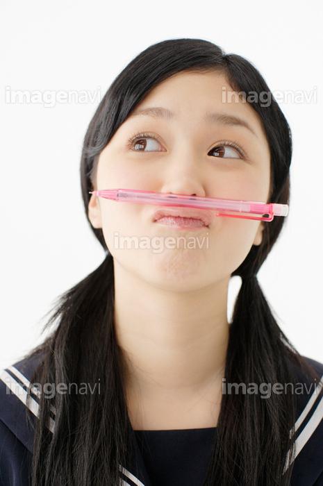 「鼻の下にペンを挟む フリー」の画像検索結果