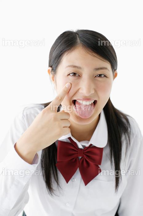 あっかんべーをする女子高生】の画像素材(14200982) | 写真素材なら ...