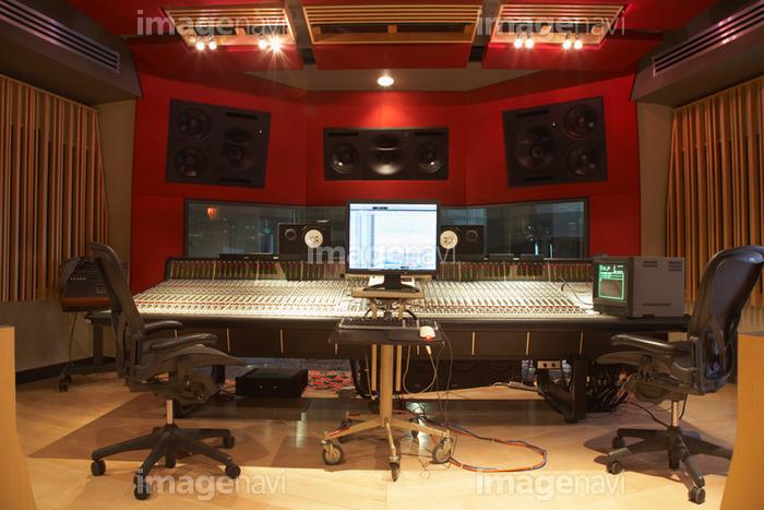 部屋 レコーディングスタジオ 椅子 ディスプレイ 技術 音楽の写真素材 (21300657)