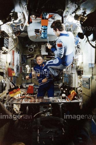 宇宙飛行士 宇宙服 ソユーズ29号...