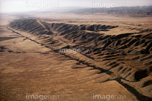 地層 断層 横ずれ断層 サンアン...